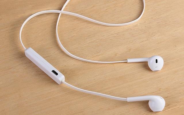 eba6af09f5d Hay una razón por la que el próximo iPhone 7 no contará con los últimos  modelos de audifonos de Apple: según 9to5Mac, la empresa está desarrollando  unos ...